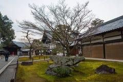 日本京都 DEZ 第8 2017年 Kinkaku籍入口的看法在京都,日本 库存图片