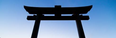 日本人寺庙门剪影阴影 免版税库存照片