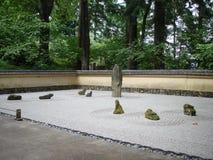 日本假山花园 图库摄影