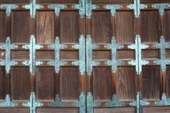 日本古庙的门 免版税库存图片