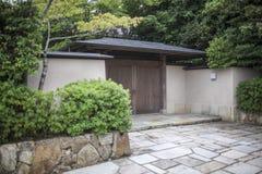 日本古老房子门 免版税库存图片