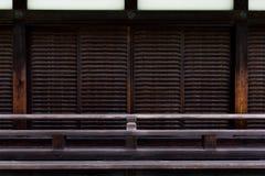 日本寺庙门摘要纹理和背景 免版税库存照片
