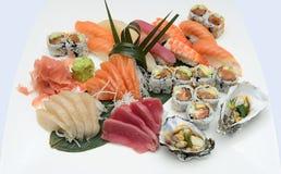 日本寿司生鱼片盛肉盘 库存照片