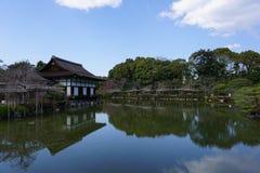 日本庭院在Heian津沽,京都,日本 免版税库存照片