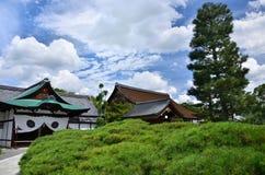 日本庭院天空背景,京都日本 免版税库存图片