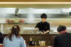 日本拉面厨师 免版税库存图片