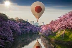 日本样式热空气气球 免版税库存图片
