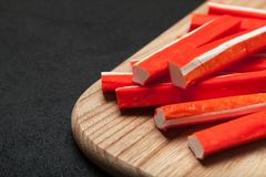 日本棍子surimi -仿制蟹肉 r 库存图片