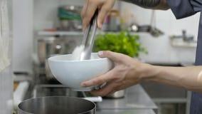 日本汤 准备拉面用酱油根据汤 影视素材