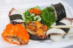 日本海鲜寿司聚苯乙烯泡沫塑料 免版税库存图片