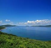 日本海,符拉迪沃斯托克, Popova海岛,俄罗斯 免版税库存照片