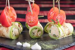 日本烹调 从海鲜的热和冷的开胃菜 库存照片