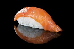 日本烹调 开胃三文鱼和米 免版税库存照片
