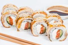 日本烹调 开胃寿司卷用米,乳脂干酪 图库摄影
