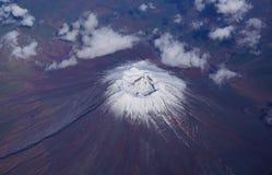 日本的富士山火山鸟瞰图  免版税库存图片
