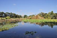 日本盐水湖和亭子 库存照片