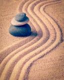 日本禅宗石头庭院 免版税库存照片