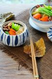 日本肉和土豆炖煮的食物(Nikujaga) 免版税库存照片