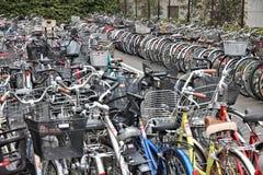 日本自行车停车处 库存照片