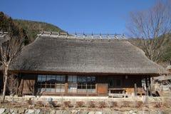 日本茅屋顶房子 免版税库存照片