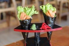日本食物三文鱼maki 免版税库存图片