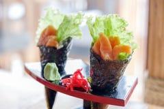 日本食物三文鱼maki 库存图片