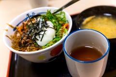 日本食物和大酱汤用热的茶 图库摄影
