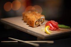 日本食物 在一个木板的开胃寿司 免版税库存照片