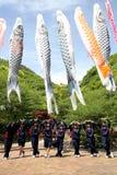 日本高中女孩的游览 免版税图库摄影