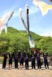 日本高中女孩的游览 库存图片
