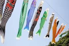 日本鲤鱼风筝飘带 免版税图库摄影