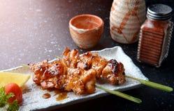 日本鸡格栅或yakitori 库存图片