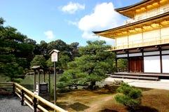 日本kinkakuji京都rokuonji寺庙 免版税库存照片
