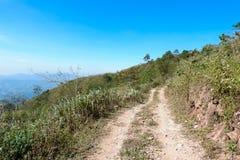 日横向山路 免版税图库摄影