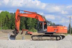日立Z轴280LC在建造场所的履带牵引装置挖掘机 库存图片