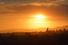日落云彩和风景 免版税库存照片