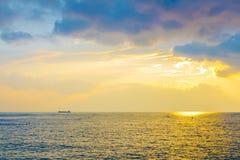 日落云彩海滩海风景 免版税库存图片