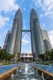 日落光的双子楼,吉隆坡,马来西亚 免版税库存照片