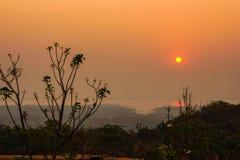 日落剪影和自然阴影在河北部的- Ea 库存照片