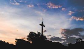 日落十字架 库存图片