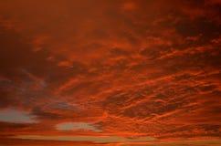 日落和剧烈的天空在特内里费岛 库存图片