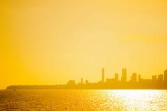 日落和城市阴影在孟买,印度 图库摄影