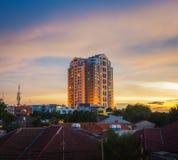 日落和大厦 免版税图库摄影