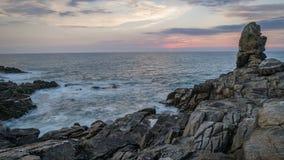 日落和海洋的Timelapse在布里坦尼,菲尼斯泰尔省部门,法国 影视素材