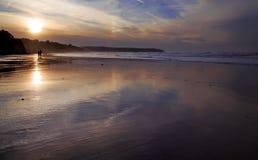 日落回家, Whitby海湾Refelctions  免版税图库摄影