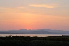 日落在一个春天晚上 库存图片