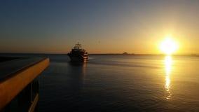 日落在保加利亚波摩莱 免版税库存照片