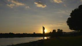 日落在公园 都市风景剪影  股票录像