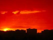日落在其中一个市的住宅区中莫斯科。 库存图片