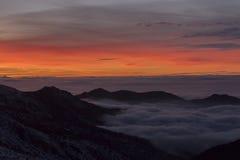 日落在内华达山,格拉纳达,西班牙 免版税库存图片